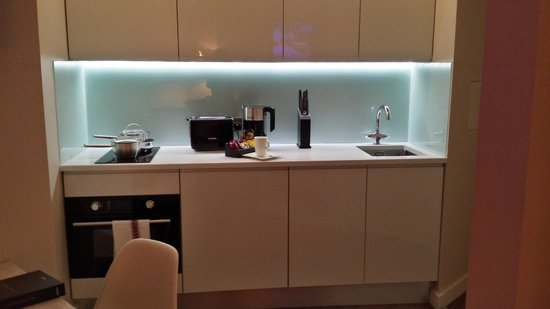Fraser Place Canary Wharf: Kitchen Area