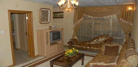 Crown Hotel: suite room