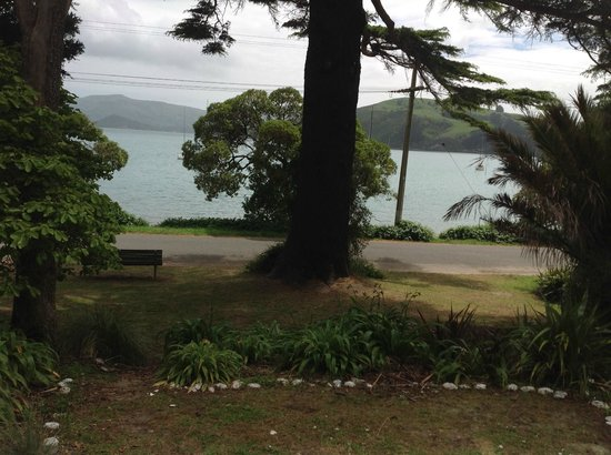 Akaroa on the Beach: The view from ground floor one bedroom apartment