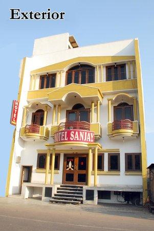 Hotel Sanjay: Exterior