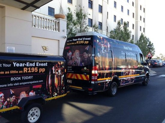 Peermont Metcourt Hotel at Emperors Palace : Transfer in/out aeroporto