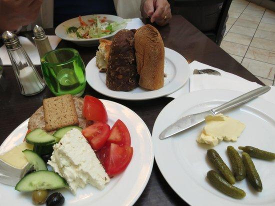 Hotel SKT. Annae : Evening buffet