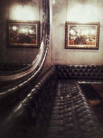 Via Veneto: Sala de espera
