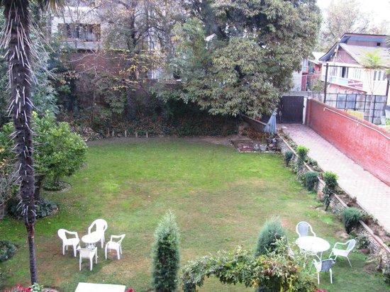 The Dak Hermitage: lawn