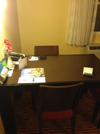 TownePlace Suites Tampa Westshore/Airport: Desk