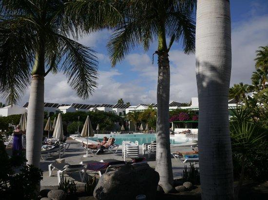 Lomo Blanco Apartments: pool area