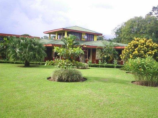 Habitaciones y jardines picture of hotel jardines arenal for Jardines costa rica