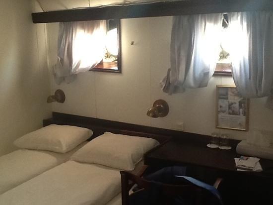 Malardrottningen Yacht Hotel and Restaurant: 1st Officers Cabin