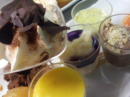 A La Petite Ruelle: Gros plan sur le Super Gourmand !