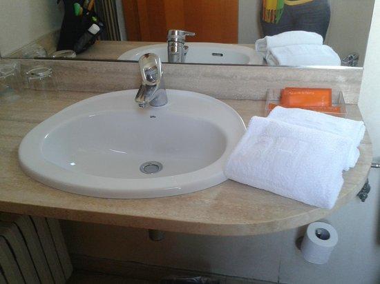 Hotel Villacarlos: il bagno