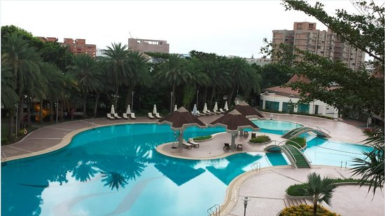 Parkview Hotel: View of Pool
