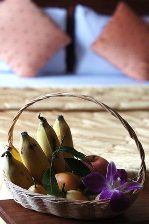 Royal Hotel: Welcome fruit basket