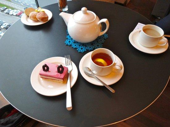 โรงแรมฮิลตัน โคเปนเฮเกน แอร์พอร์ท: Executive Lounge afternoon tea