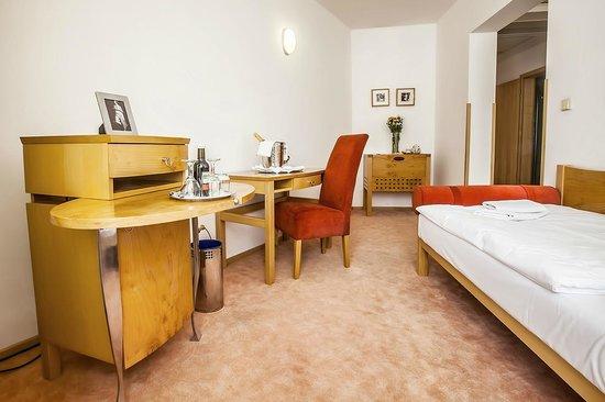 Hotel Set: Junior Suite