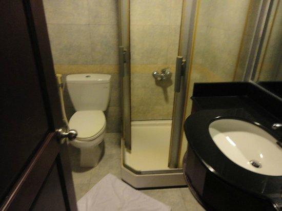 Phu Quy 2 : Bathroom