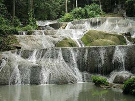 Kendari, Indonesien: Moramo Waterfall