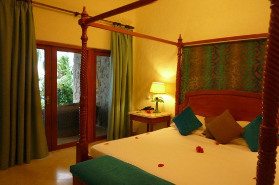 Sunset Beach Hotel: room 23 (junior suite) - bedroom 1