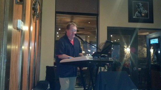 Taverna Red: Great entertainment, Joe Carter!