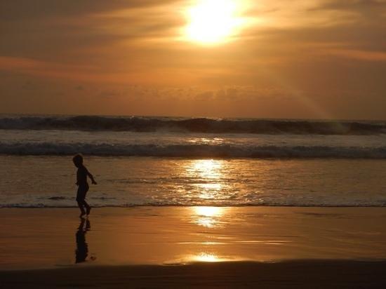 Clio Apartments: sunset
