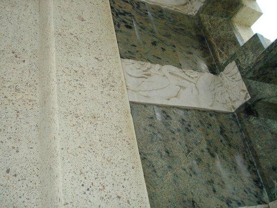 Wrigley Memorial & Botanic Garden: view of the inside of the Memorial