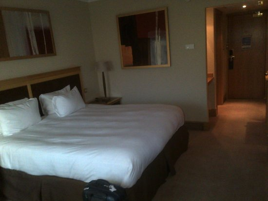 Hilton Glasgow : Room view internal 13th floor