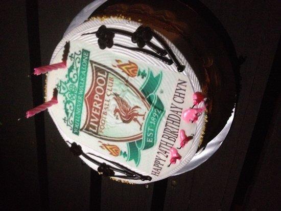 Island One Cafe & Bakery: Birthday cheese cake