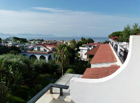 Hotel Marad: A droite, la Baie de Naples et l'Île de Capri