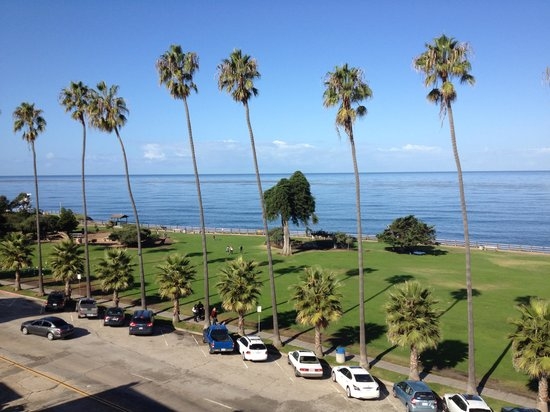 La Jolla Cove Hotel & Suites: View from the terrace