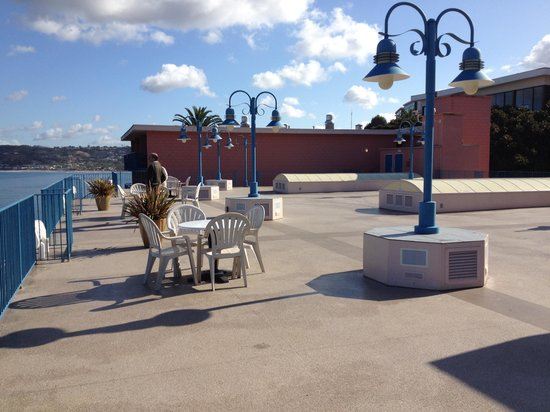La Jolla Cove Hotel & Suites: Breakfast terrace