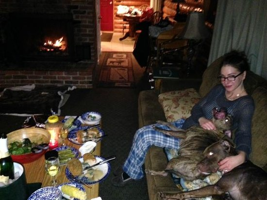 Trout House Village Resort: Having dinner with the doggies by the fire :-)