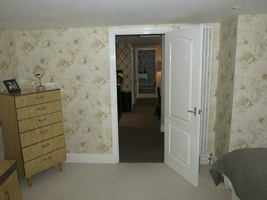 Hideaway at Herrington Hill: Looking through the living area towards second bedroom