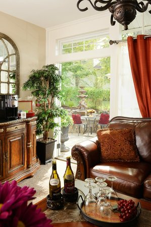 The Branson Hotel: Parlor