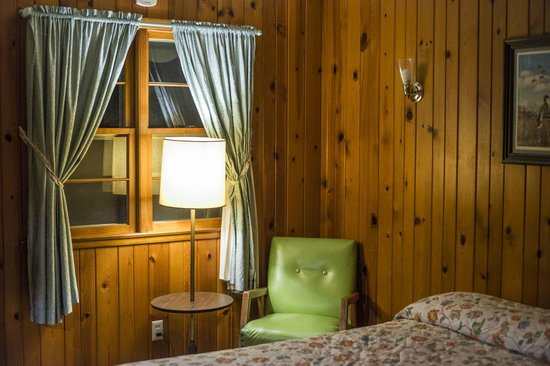 Not Bad But Run Down Review Of Royal Oaks Motel Horicon Wi Tripadvisor