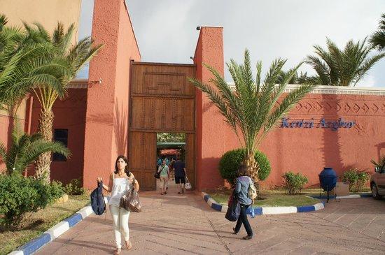 Kenzi Azghor : Entrada
