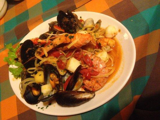Diavolo Rosso: Seafood linguine