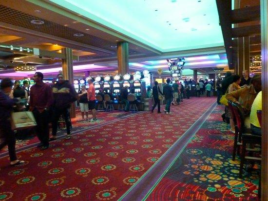 Council Oak Steaks & Seafood : Approach Restaurant Through Casino