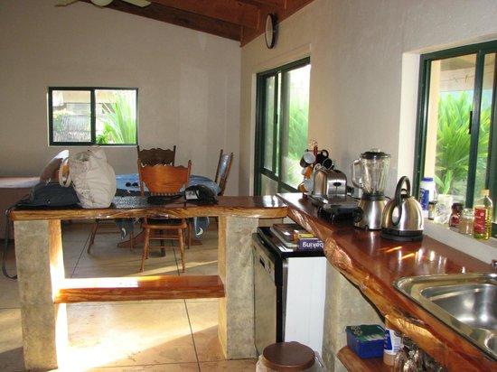 Captain James Retreat: kitchen/dining area