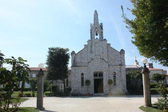 Illa da Toxa - Ermita de San Sebastián dedicada a San Caralampio y a la Virgen del Carmen