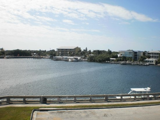 Harborside Motel & Marina : Across the Bight, from the bridge