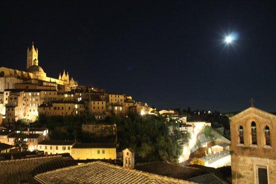 Albergo Bernini : View from terrace at night - stunning