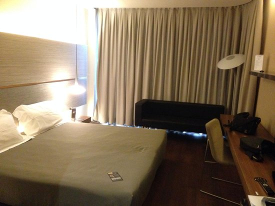 B-Hotel: B hotel