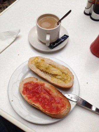 Los Patios: desayuno andaluz en el hotel