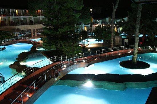 Cornelia De Luxe Resort : junior suite balcony view late evening