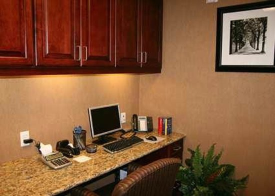 Hampton Inn & Suites Ocala - Belleview: Business Center
