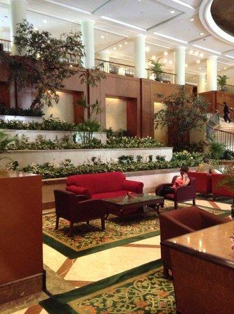 Crowne Plaza Hotel Jakarta : Lounge at Entrance