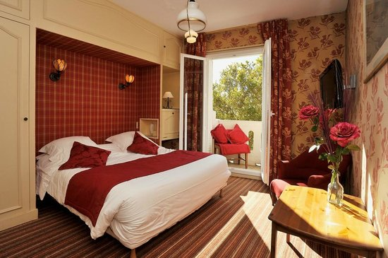 Hotel George Sand: Chambre rouge