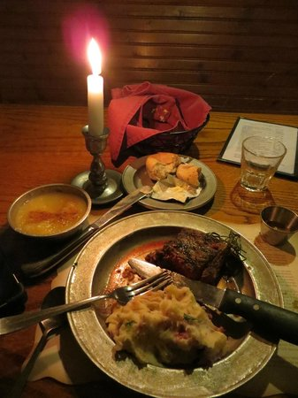 Jean Bonnet Tavern B & B: yummy food, served on pewter, with candlelight