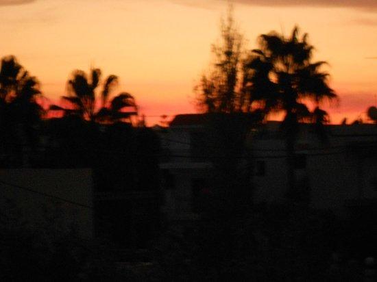 Niriis Hotel: Beautiful sunsets