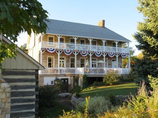 Jean Bonnet Tavern B & B: southeast facade