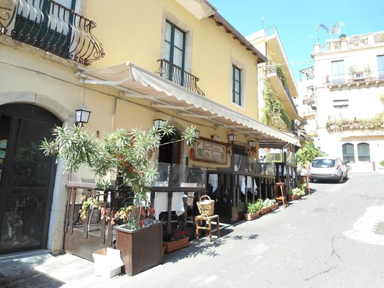 Trattoria Don Ciccio: Outside Don Ciccio where we sat.